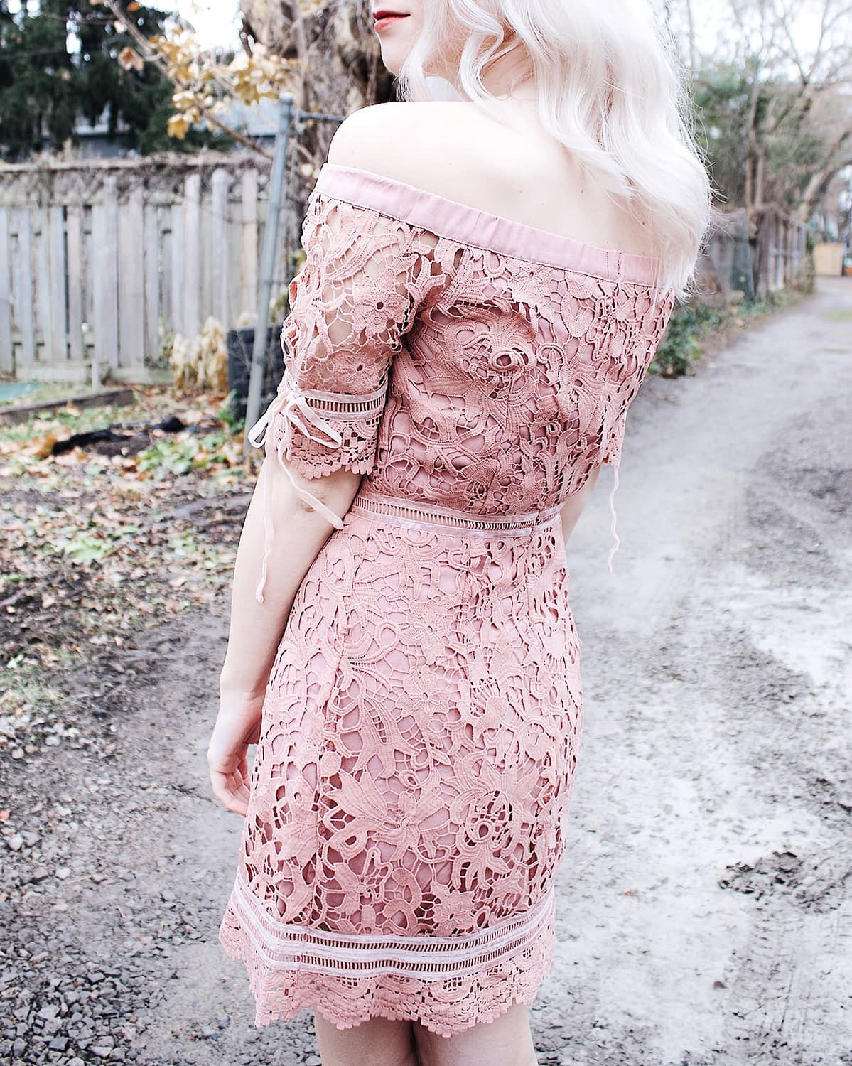 kitsu pink lace dress details